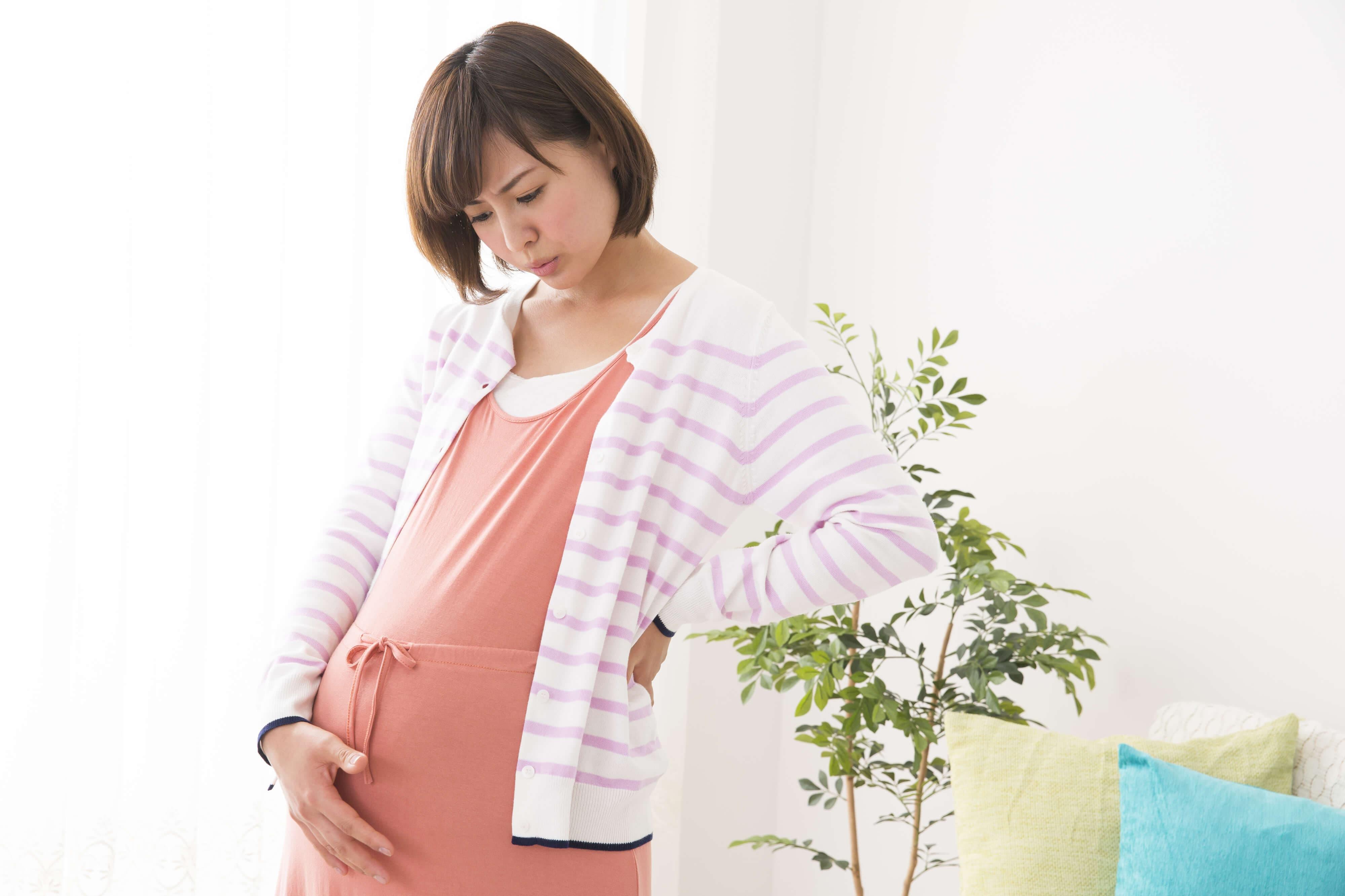 大きいおなかが原因!妊娠中の体形変化でおこる、四つの困ったこと