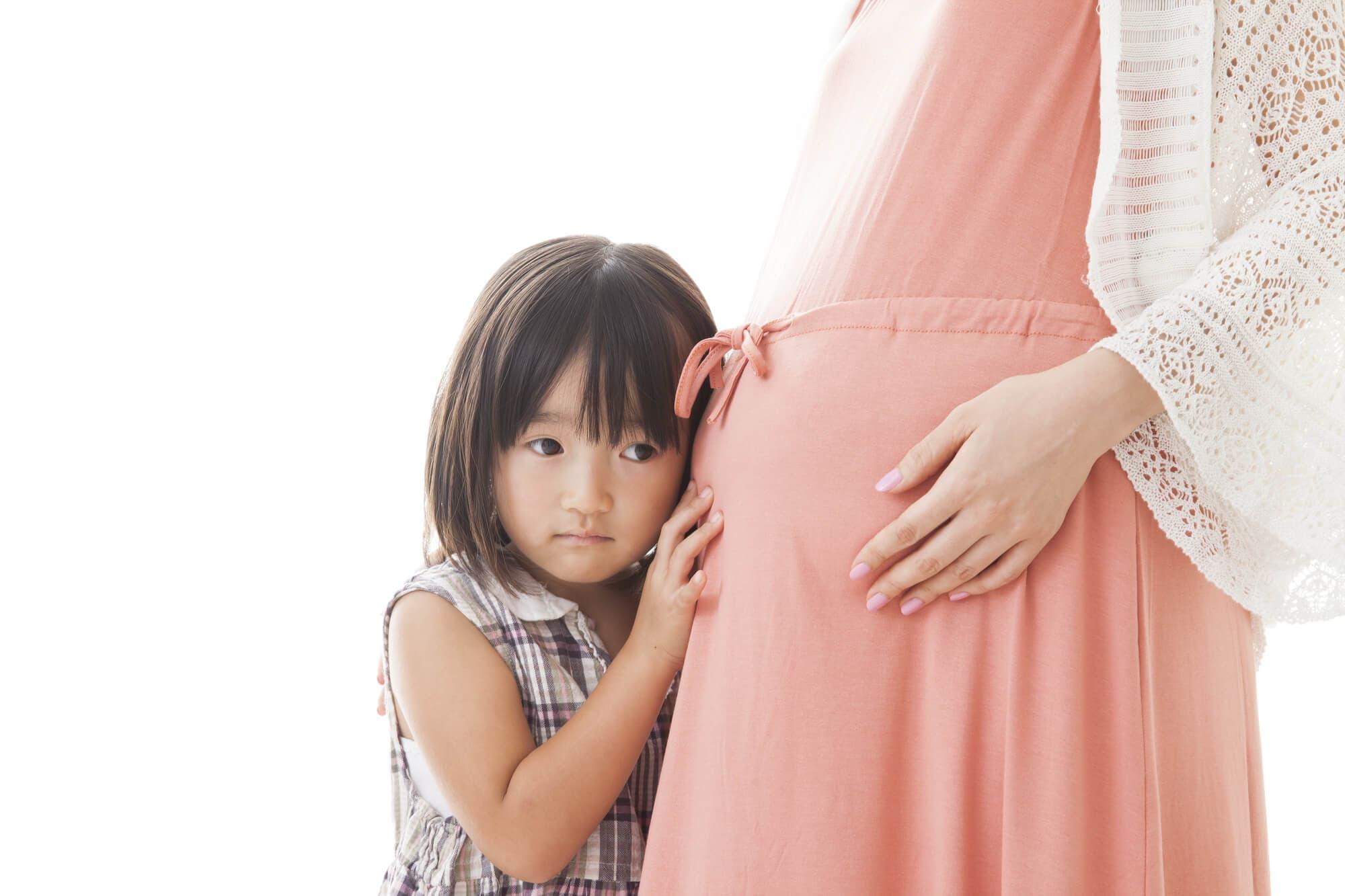 胎動はいつから?さまざまな胎動の種類について