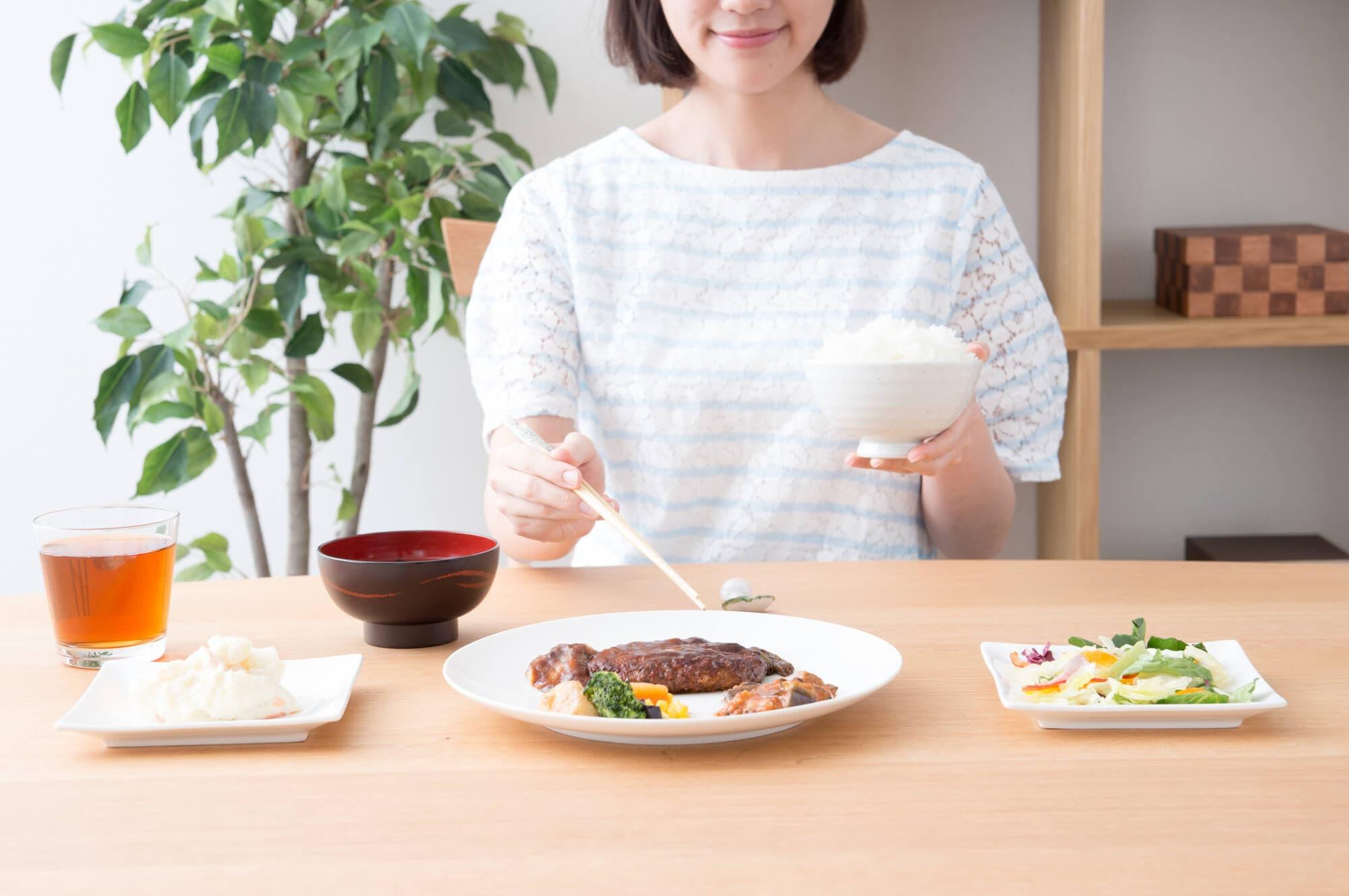 妊娠初期・中期・後期で変わる、正しい食事のとり方