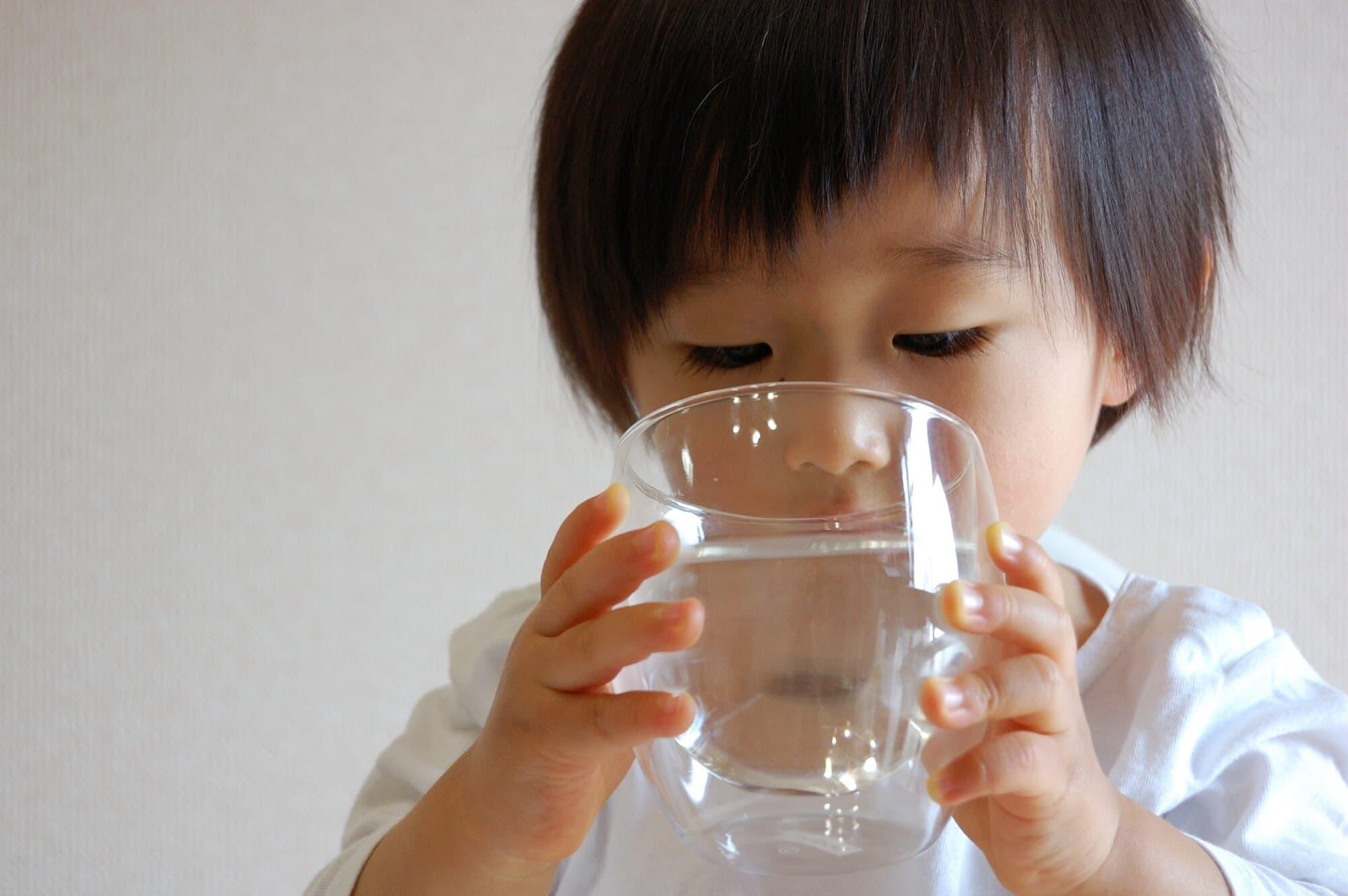 授乳中、妊娠中も気にせず水道水を飲んでも平気?