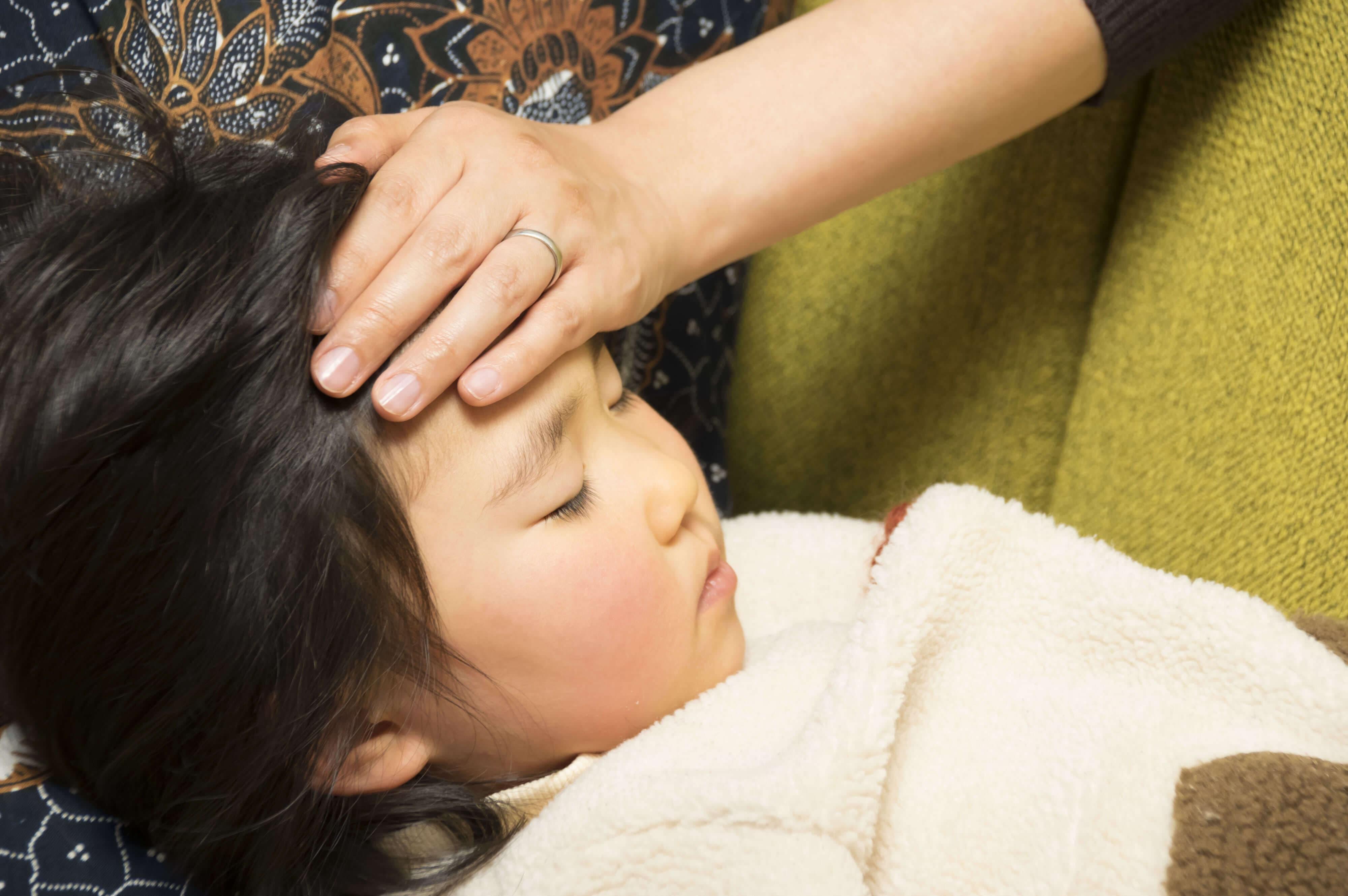 子供の急な発熱にびっくり!基礎知識と4つの対処法