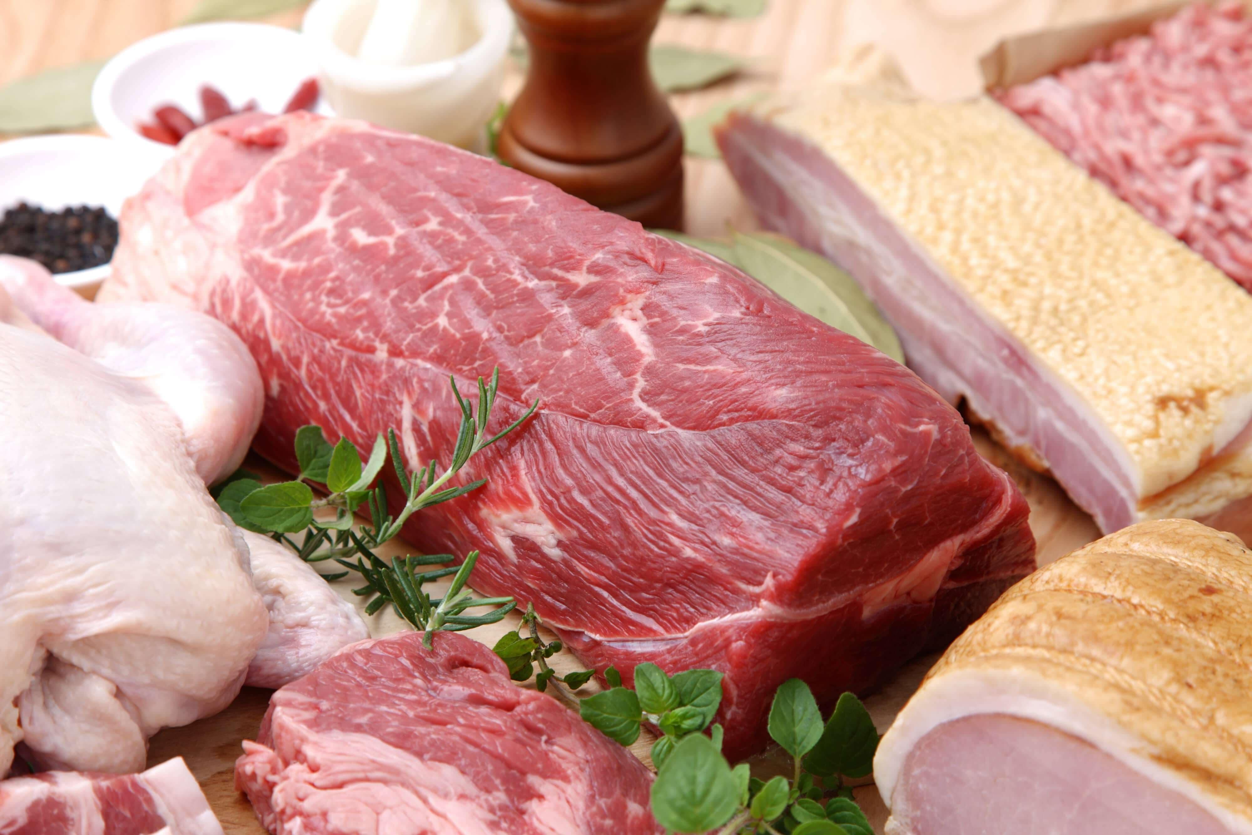 妊婦さんが生ハムや生肉を食べてはいけない理由