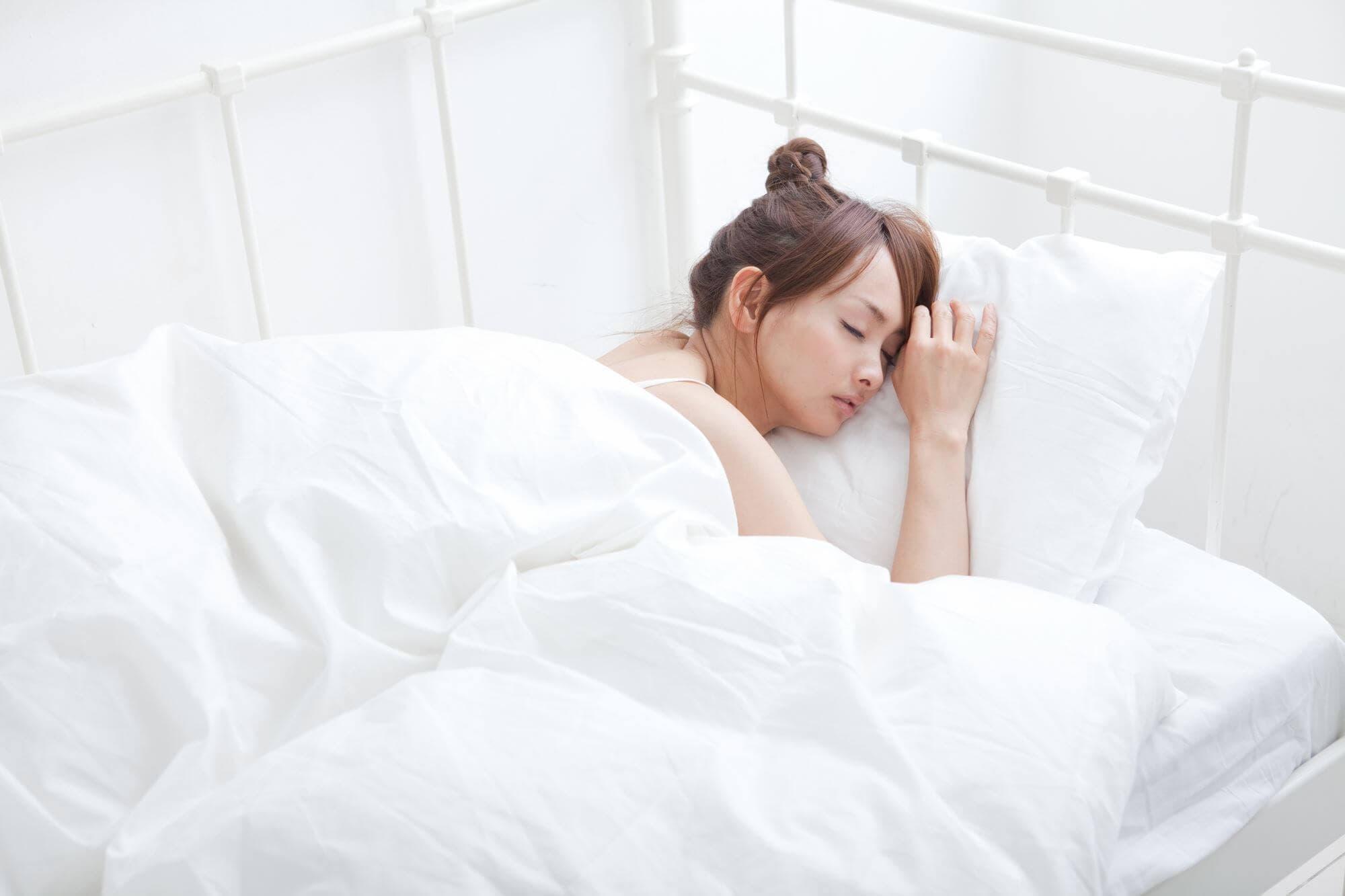 妊婦さんにおすすめな「シムスの体位」と仰臥位低血圧症候群を防ぐ寝方