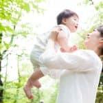 赤ちゃんに高い高いは厳禁?!揺さぶられっ子症候群の症状・原因・治療・後遺症まとめ