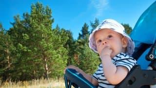 灼熱の夏!赤ちゃんのお散歩で気をつけること