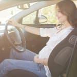 臨月に車を運転するリスクは?気を付けたい六つのポイントはこれ!