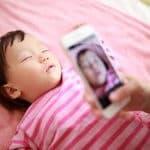 赤ちゃんの写真、載せても大丈夫? パパ・ママが会員制交流サイト(SNS)で気をつけるべきこと