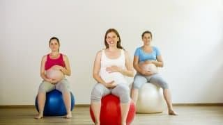 【妊娠32週】もうお腹がパンパン!赤ちゃんの成長とママの体の変化まとめ