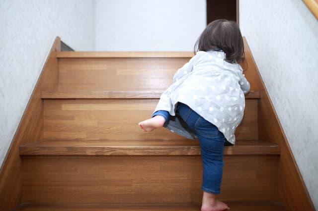 階段 子ども 事故
