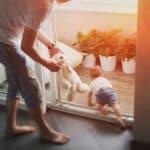 ハイハイができるなら要注意!家の中の赤ちゃん安全グッズはこれ!