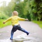かわいい靴で雨の日を楽しもう!子ども用レインブーツ、レイングッズまとめ