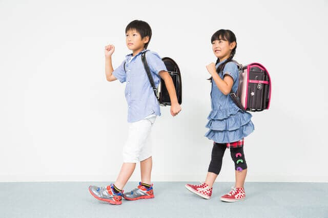 小学生の靴