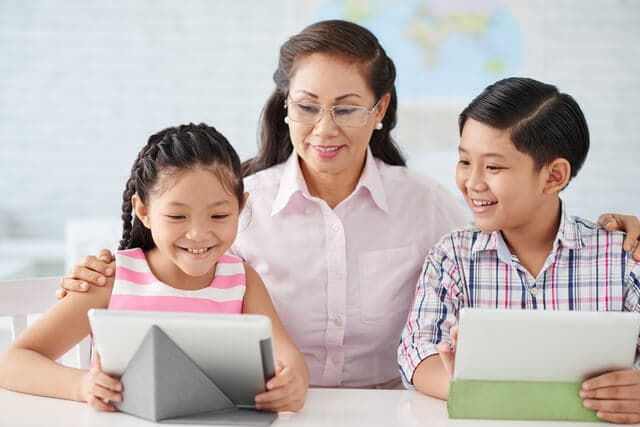 先生による子供の教育