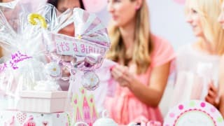 妊婦のためのお祝いパーティー!ベビーシャワーの流れと欠かせないアイテムを紹介