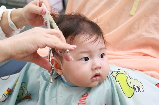 子どもの初めての散髪