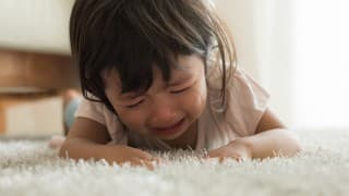 どうして泣くの?2歳児の夜泣きの特徴と対処方法