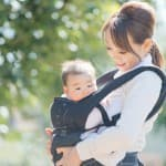 赤ちゃんが落下しないように!抱っこ紐の使い方をマスターしよう!