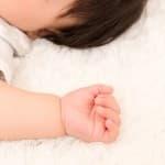 赤ちゃんの手が冷たい!どういう仕組み?対処法は?
