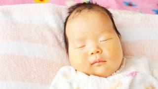 赤ちゃんにニキビができないために知っておきたい「新生児ニキビ」のケア方法