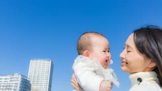 赤ちゃんの「外気浴」はいつからOK?効果・メリット・注意点まとめ