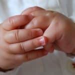 【保育監修】3カ月を過ぎたら手遊びで家族団らん!人気の手遊び歌はこれ!