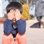 子どもが嘘泣きをするのはなぜ?どのように対処したらいいの?