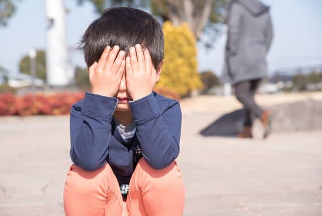 子どものうそ泣き