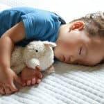 赤ちゃんが気持ちよく眠れるおすすめ入眠儀式をご紹介