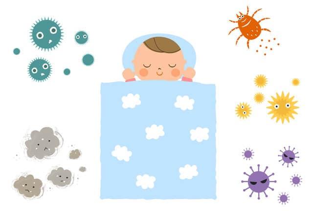 ダニやウイルスの中で寝る赤ちゃん