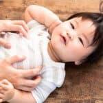 赤ちゃんが着替えを嫌がる時にできる六つの対処法