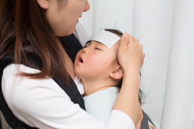 看病するママ