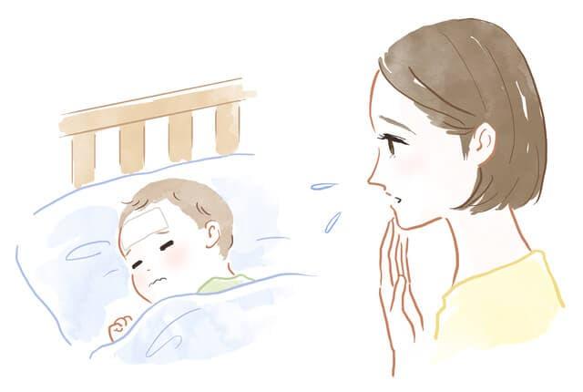 赤ちゃんを見守るママ