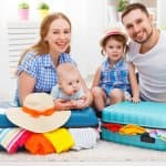 いつから行ける? 赤ちゃんと一緒に海外旅行、持ち物や気を付けること