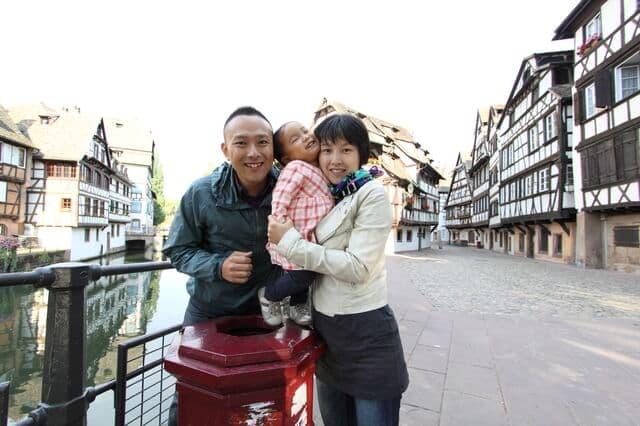 海外での家族写真