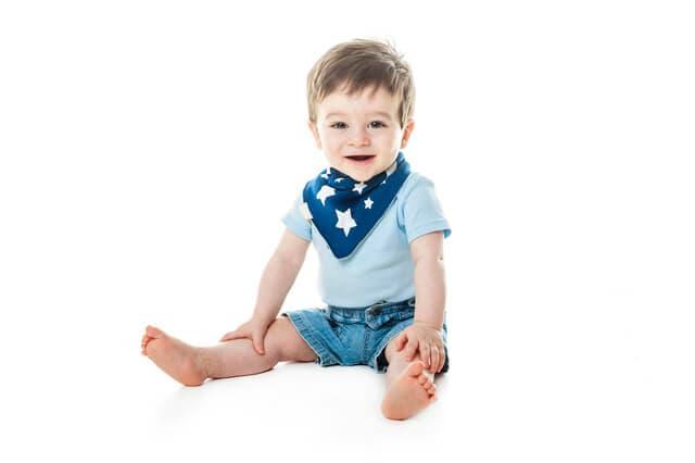 1歳くらいの男の子