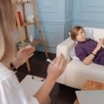 遊びの中で交流し、心理療法を進めていくプレイセラピーとは?