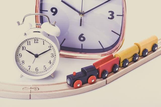 時計とおもちゃ