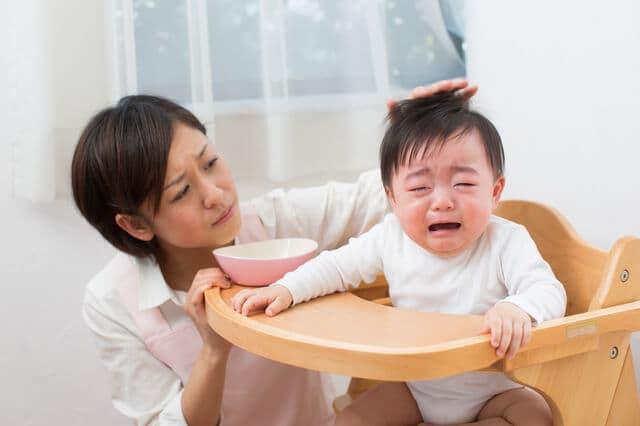 育児で悩む女性
