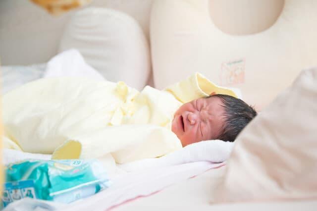 かわいい新生児