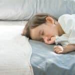 ダニから赤ちゃんを守れ!布団掃除機の効果と選び方