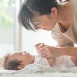 体温調節が苦手な赤ちゃん。夏と冬ではどうやって調節してあげればいいの?