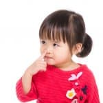 子どもの鼻をほじる癖を直したい!いつもほじってると鼻の穴が大きくなる?