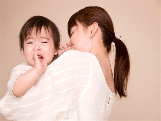 育児で悩むママ