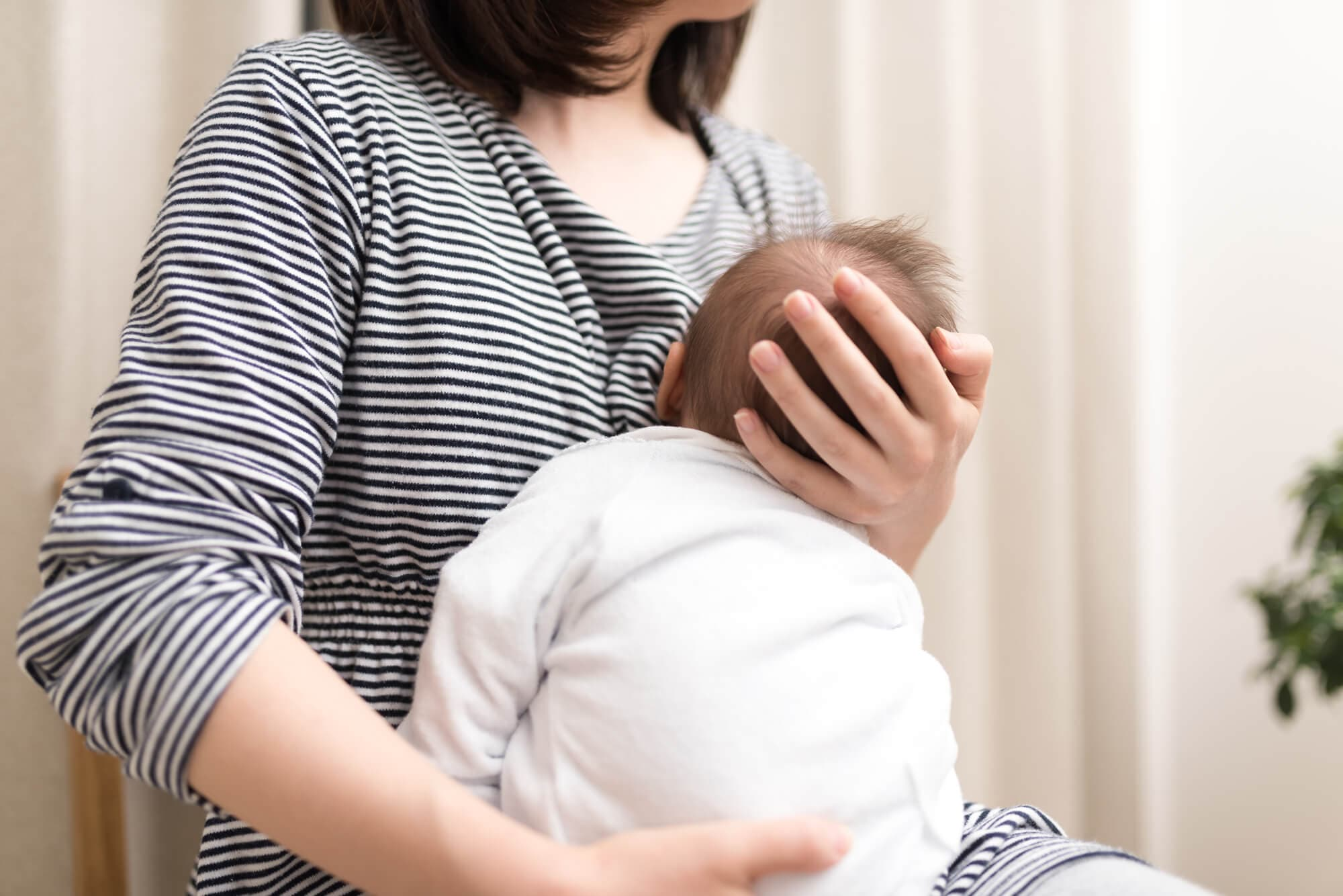 新生児の授乳