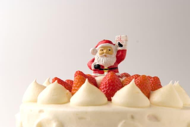 クリスマスケーキの飾りのサンタクロース