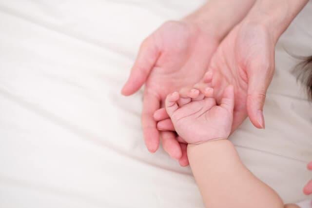 赤ちゃんの手が冷えているときにすること