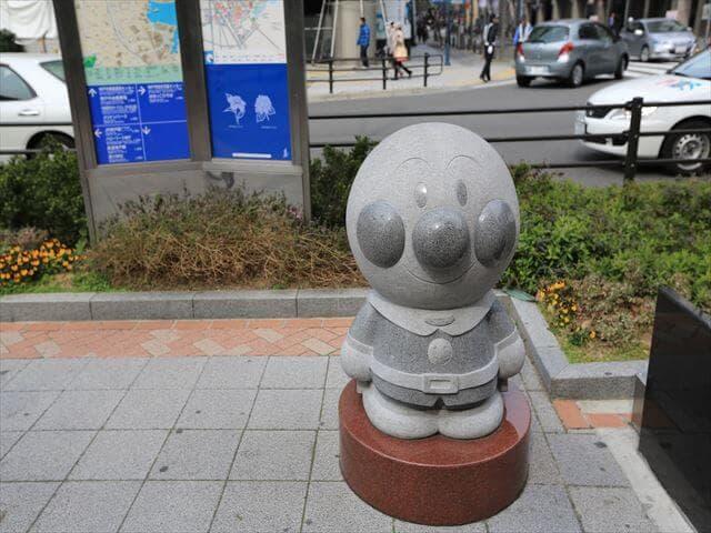 アンパンマンの銅像
