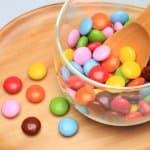 幼児向けおやつの代名詞「アメ」「チョコレート」はいつから食べていいの?