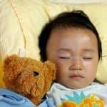 赤ちゃんの枕はいつから必要?使いたい年齢と選び方のポイント