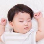 赤ちゃんもいびきをかくの?考えられる原因とは?